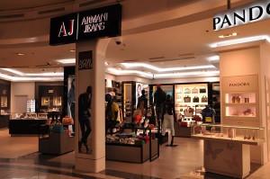 obchod značky Armani Jeans